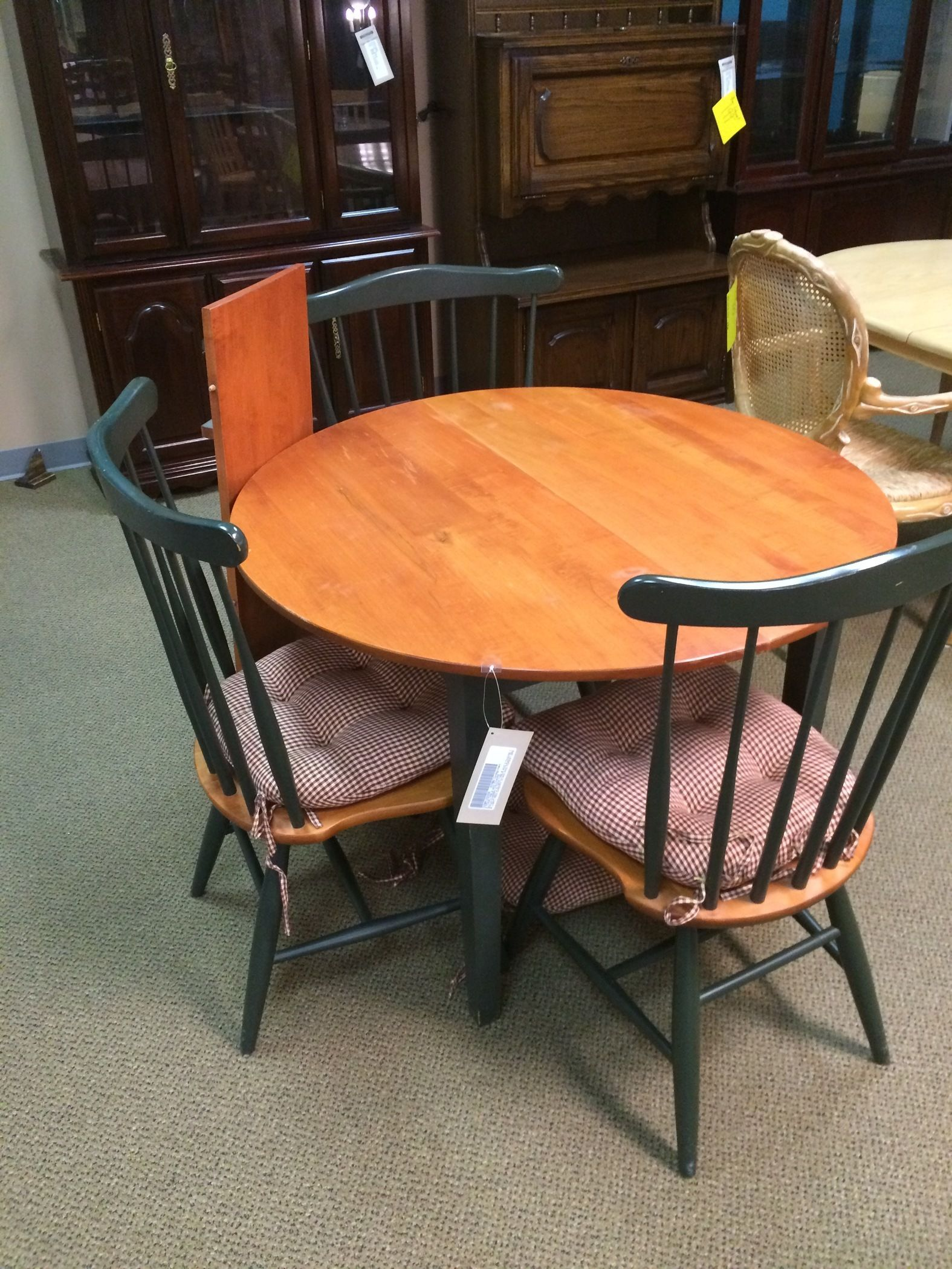 2 Tone Table And Chairs Allegheny Furniture Consignment