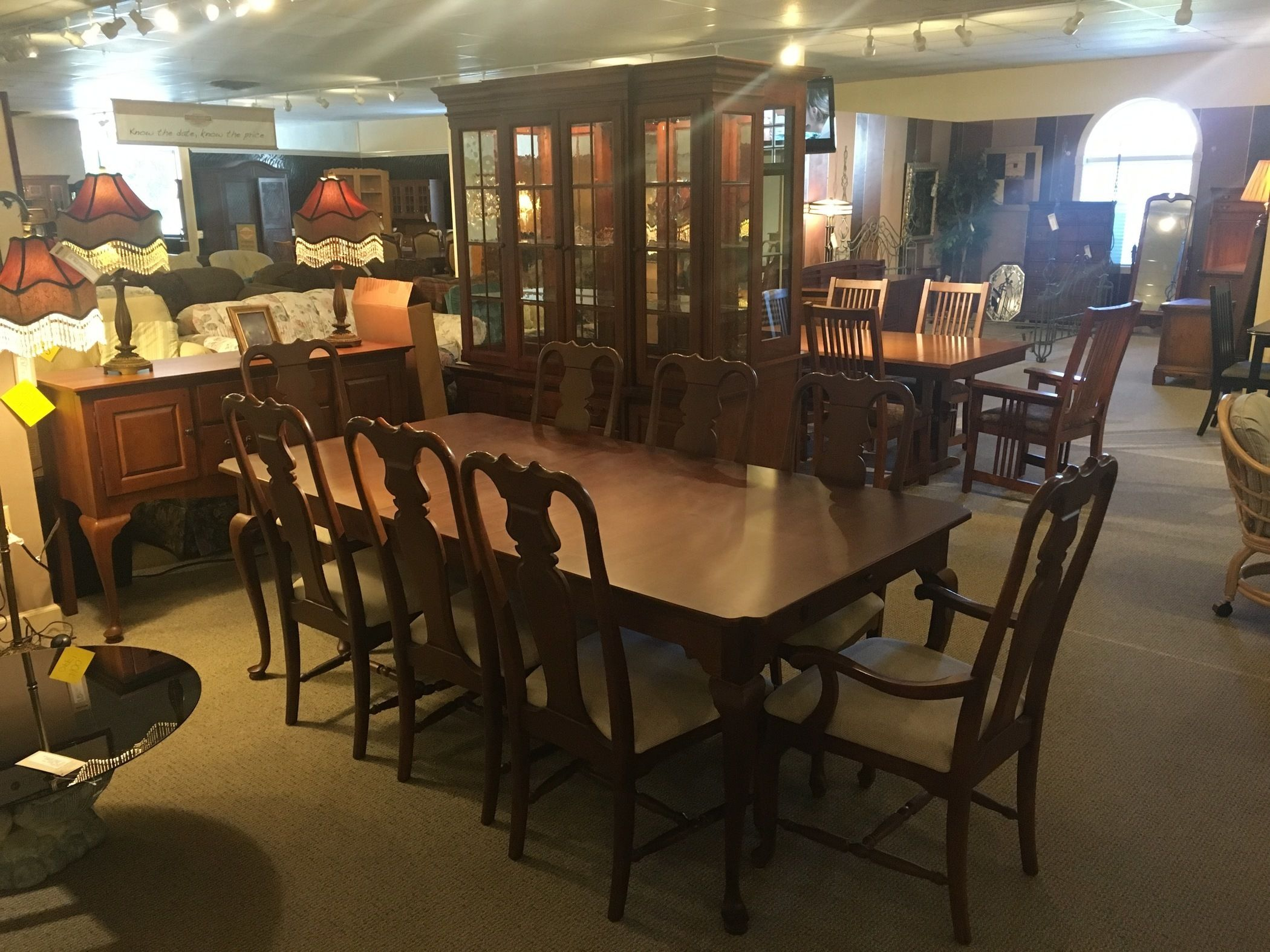 SUMTER CABINET CO DINING ROOM