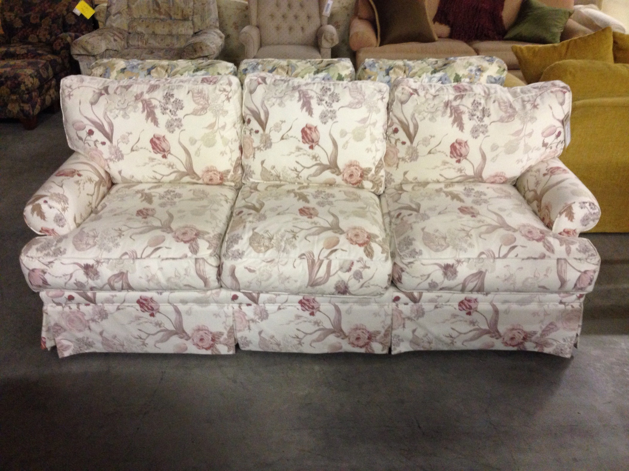 THOMASVILLE FLORAL SOFA   Allegheny Furniture Consignment