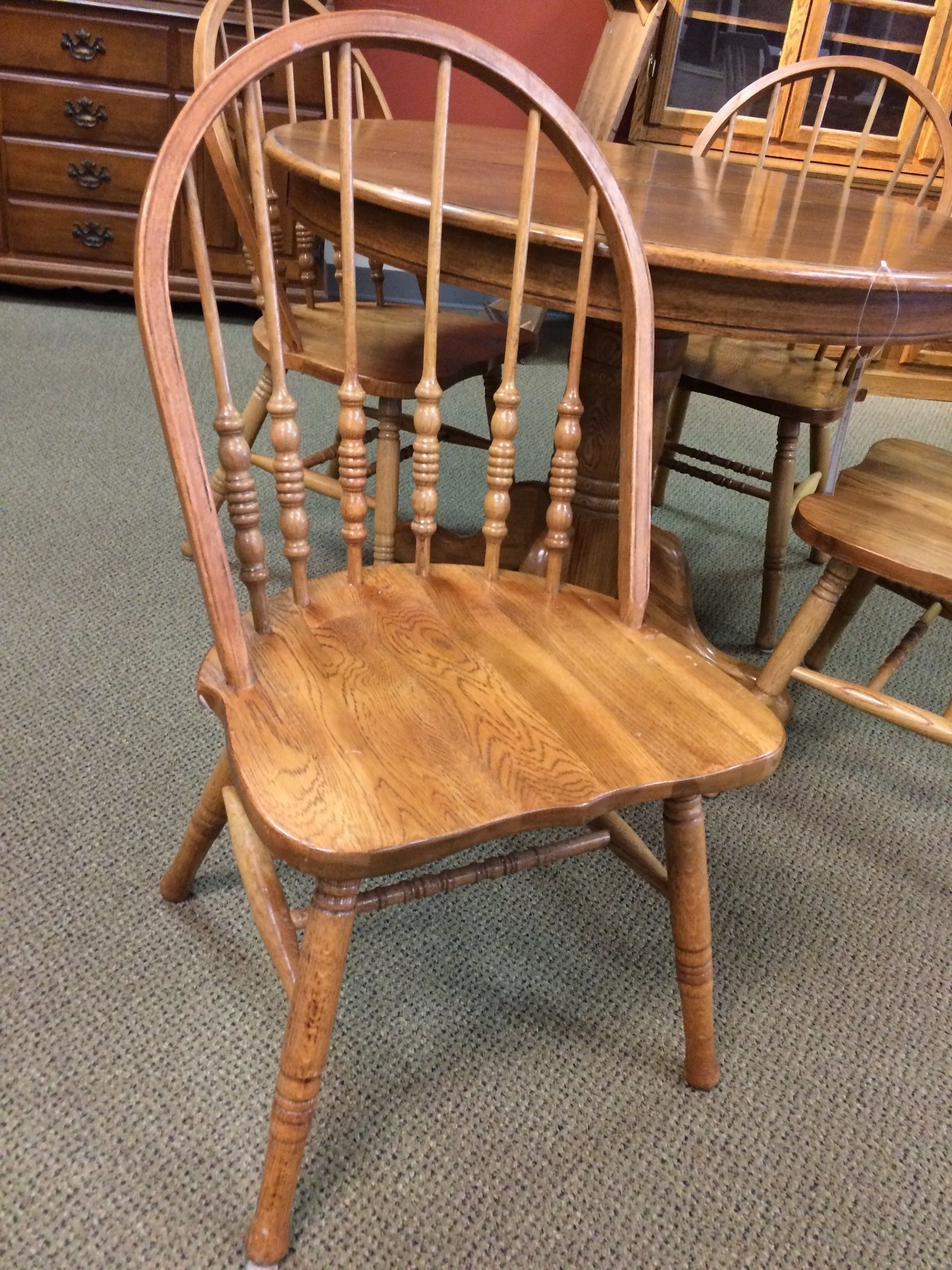 OAK PEDISTAL TABLE Allegheny Furniture Consignment