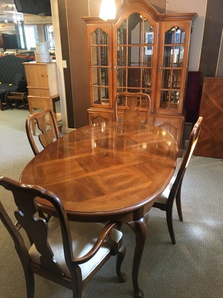 $978.99 THOMASVILLE DINING ROOM Location: Harrisburg. Small Img 6606