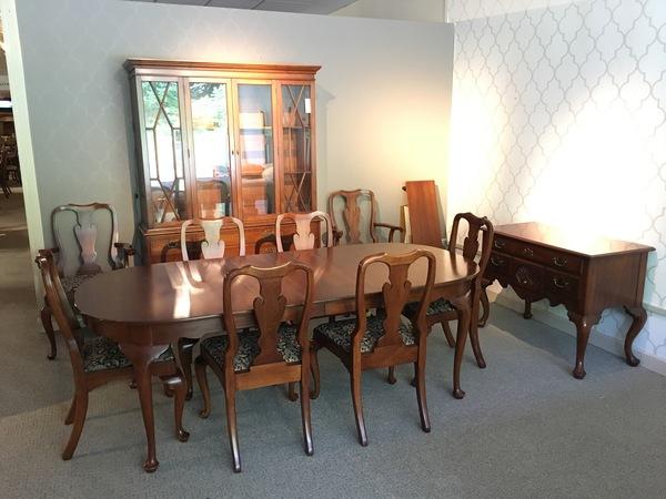 LIZ CLAIBORNE DINING ROOM | Allegheny Furniture Consignment