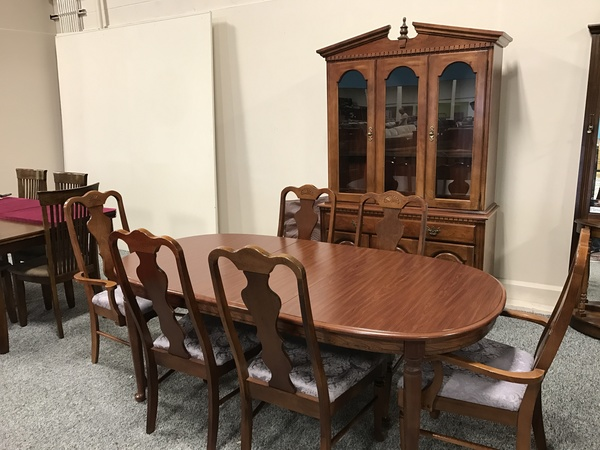 BROYHILL DINING SET | Allegheny Furniture Consignment