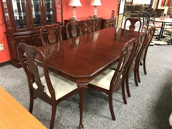 People Watching This Item 2 154109 COLONIAL FURNITURE DINING