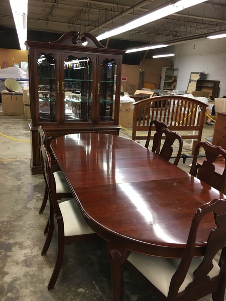 154109 COLONIAL FURNITURE DINING SET Location Catonsville Small Img 1296