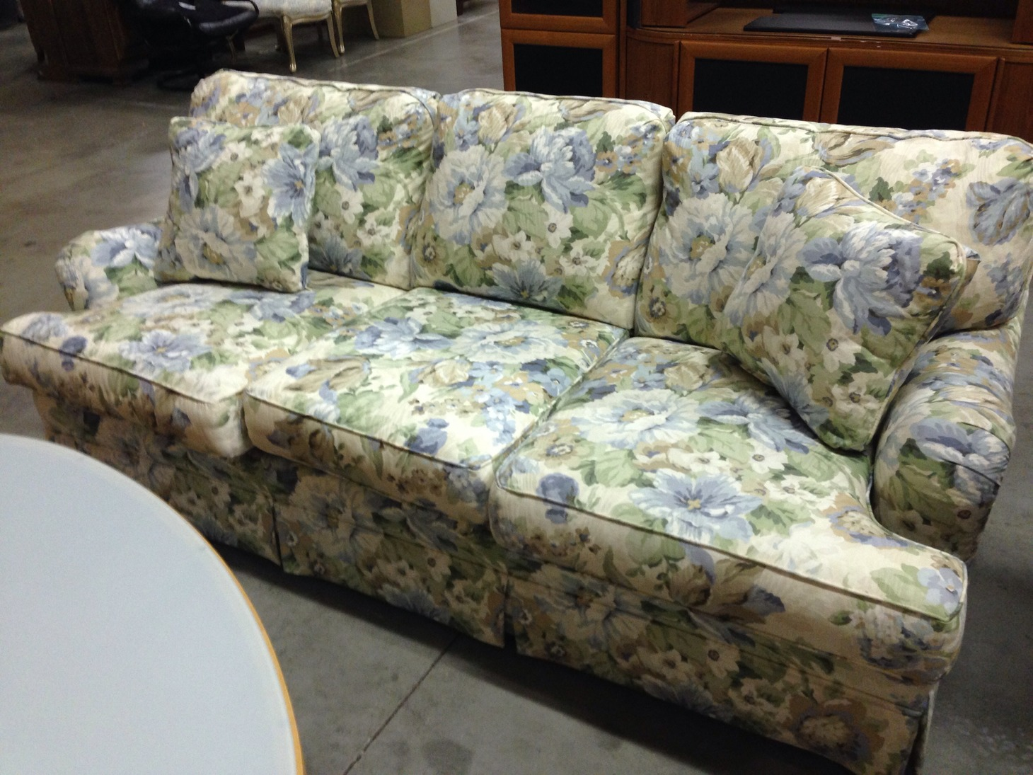 schnadig of below to underside sale slight wear floral online enlarge auctions chico norcal on cushions couch photos click liquidation estate lot sales redding sofa spots