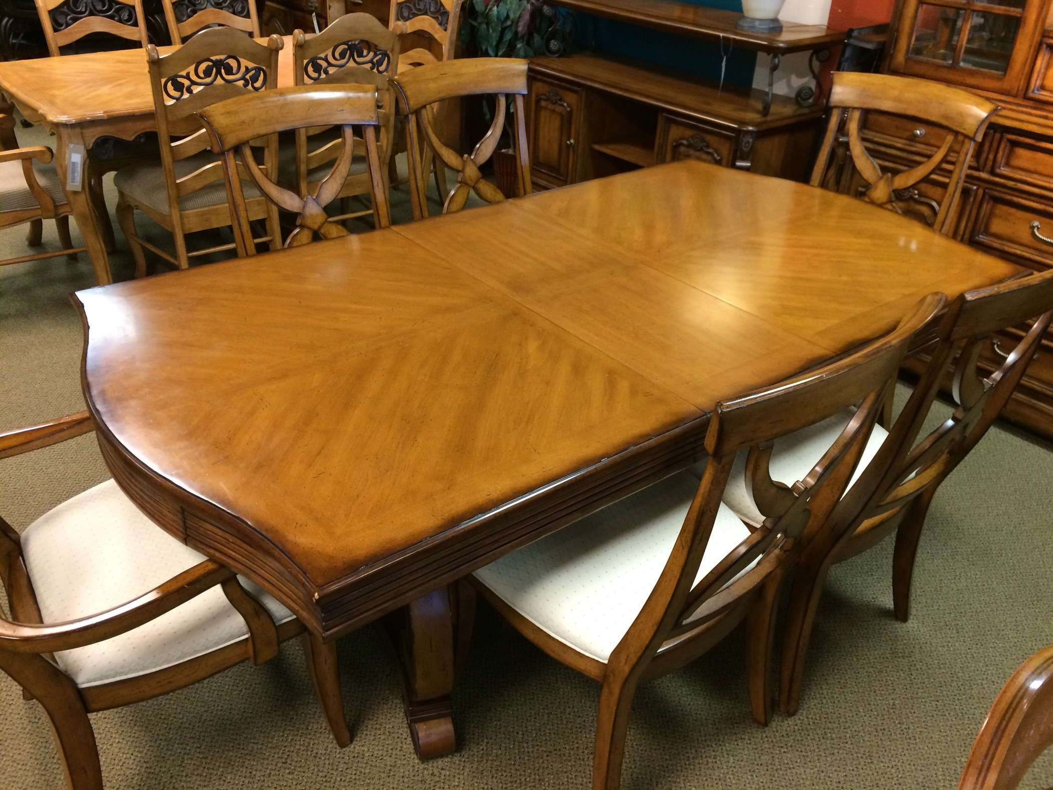 LIZ CLAIBORNE DINING ROOM | Allegheny Furniture Consignment