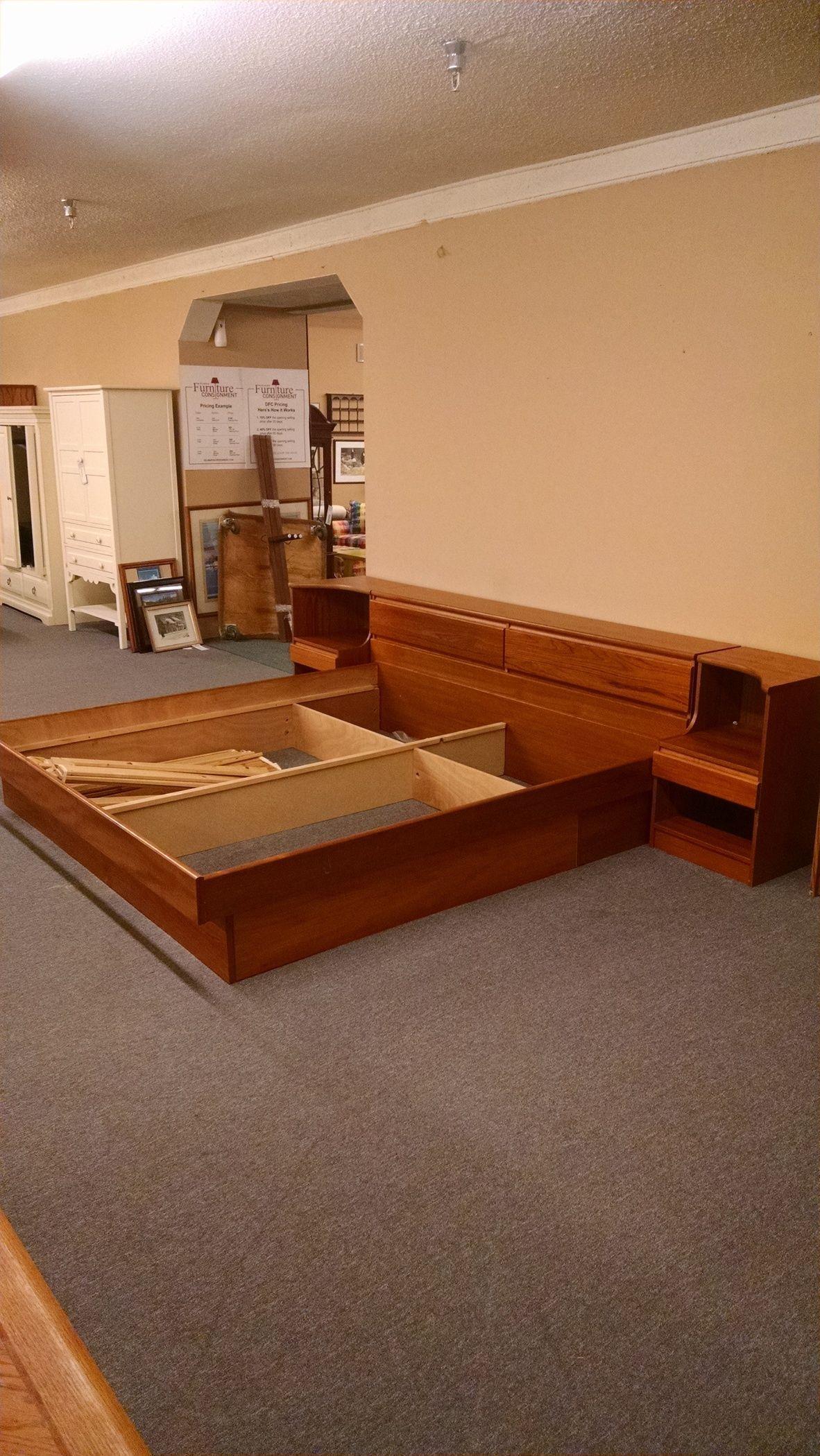 king platform bed nightstands delmarva furniture consignment. Black Bedroom Furniture Sets. Home Design Ideas