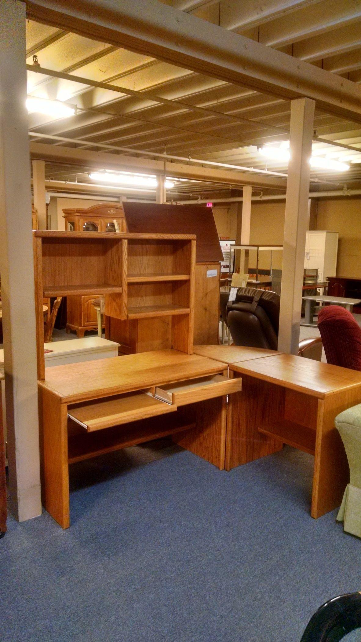 Thornwood Corner Oak Desk Delmarva Furniture Consignment