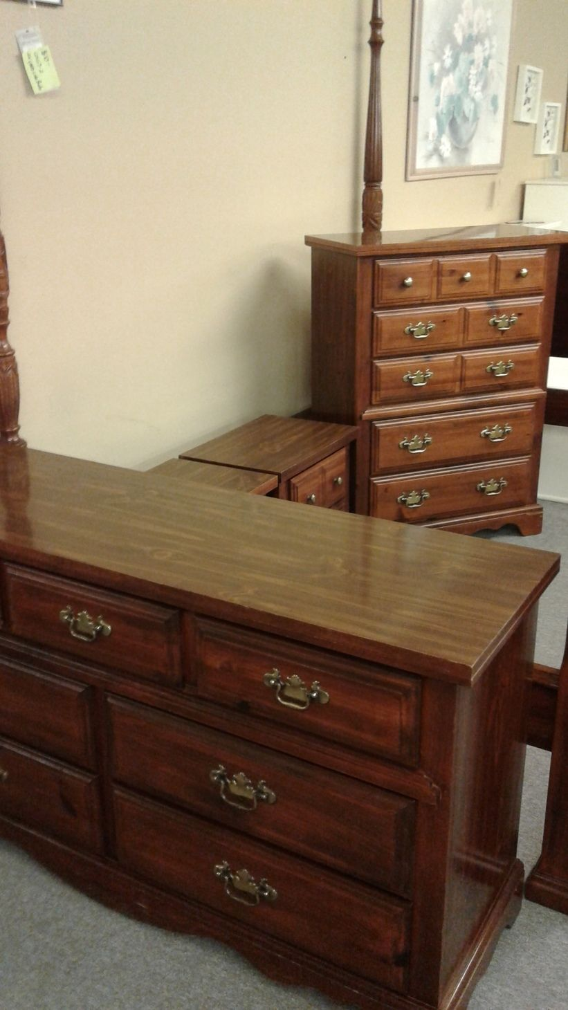 4pc broyhill pine bedroom set delmarva furniture consignment Broyhill master bedroom sets