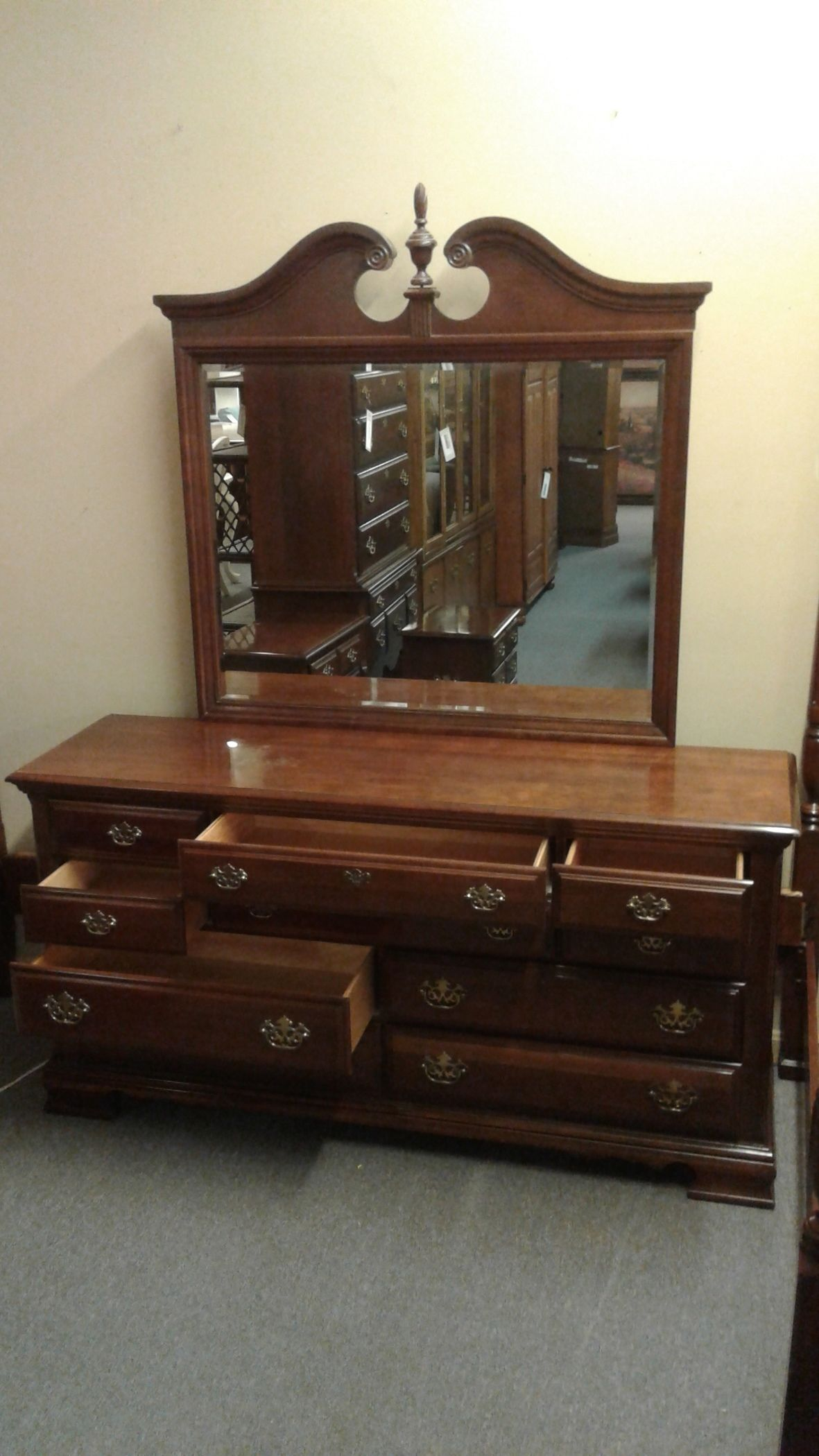 Broyhill Dresser W Mirror Delmarva Furniture Consignment