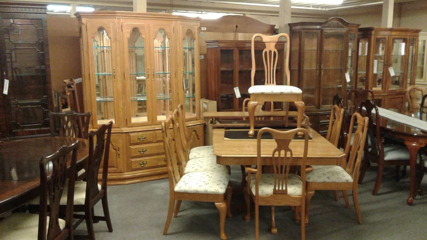keller oak dining room set delmarva furniture consignment. Black Bedroom Furniture Sets. Home Design Ideas