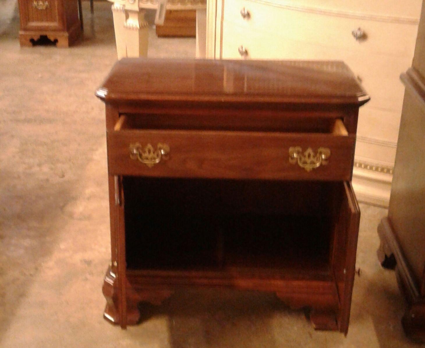 Ethan allen cherry nightstand delmarva furniture consignment for Ethan allen bedroom night stands