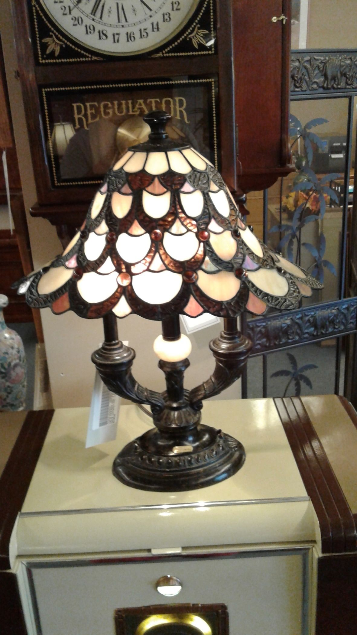 dale tiffany inc 3 arm lamp delmarva furniture consignment. Black Bedroom Furniture Sets. Home Design Ideas