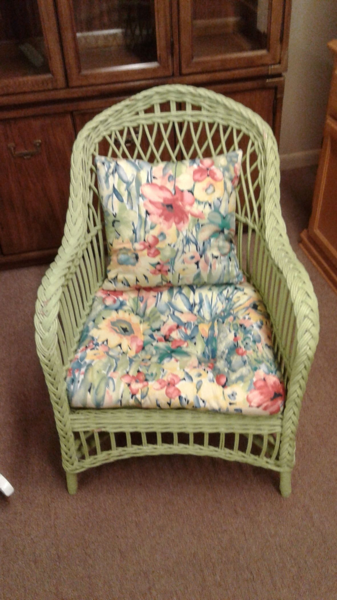 green wicker chair w cushion delmarva furniture consignment