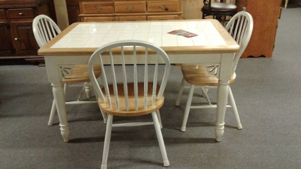 Small 2722table chairs
