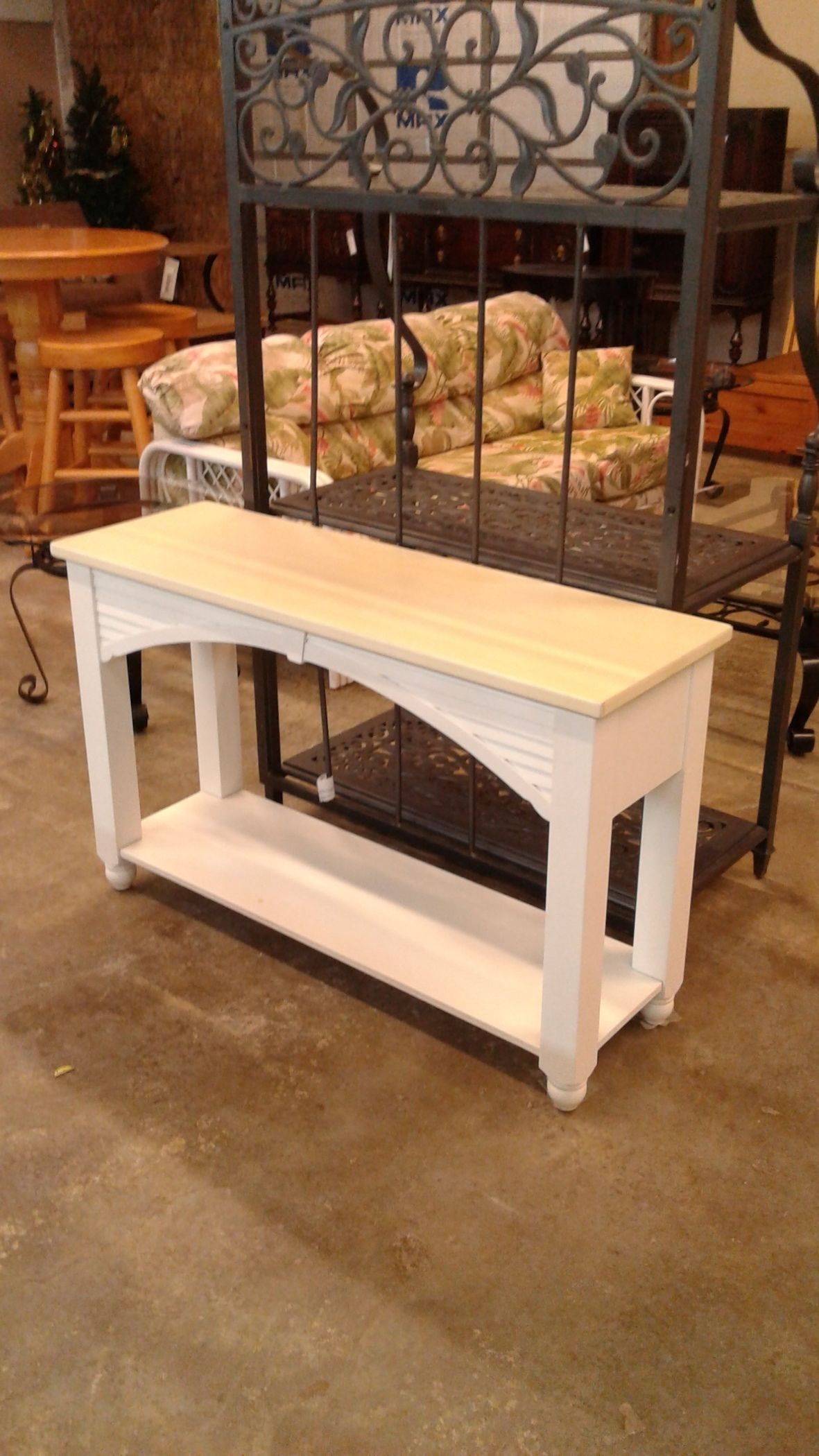 Broyhill White Sofa Table Delmarva Furniture Consignment