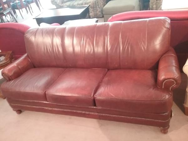 FLEXSTEEL LEATHER SOFA | Delmarva Furniture Consignment