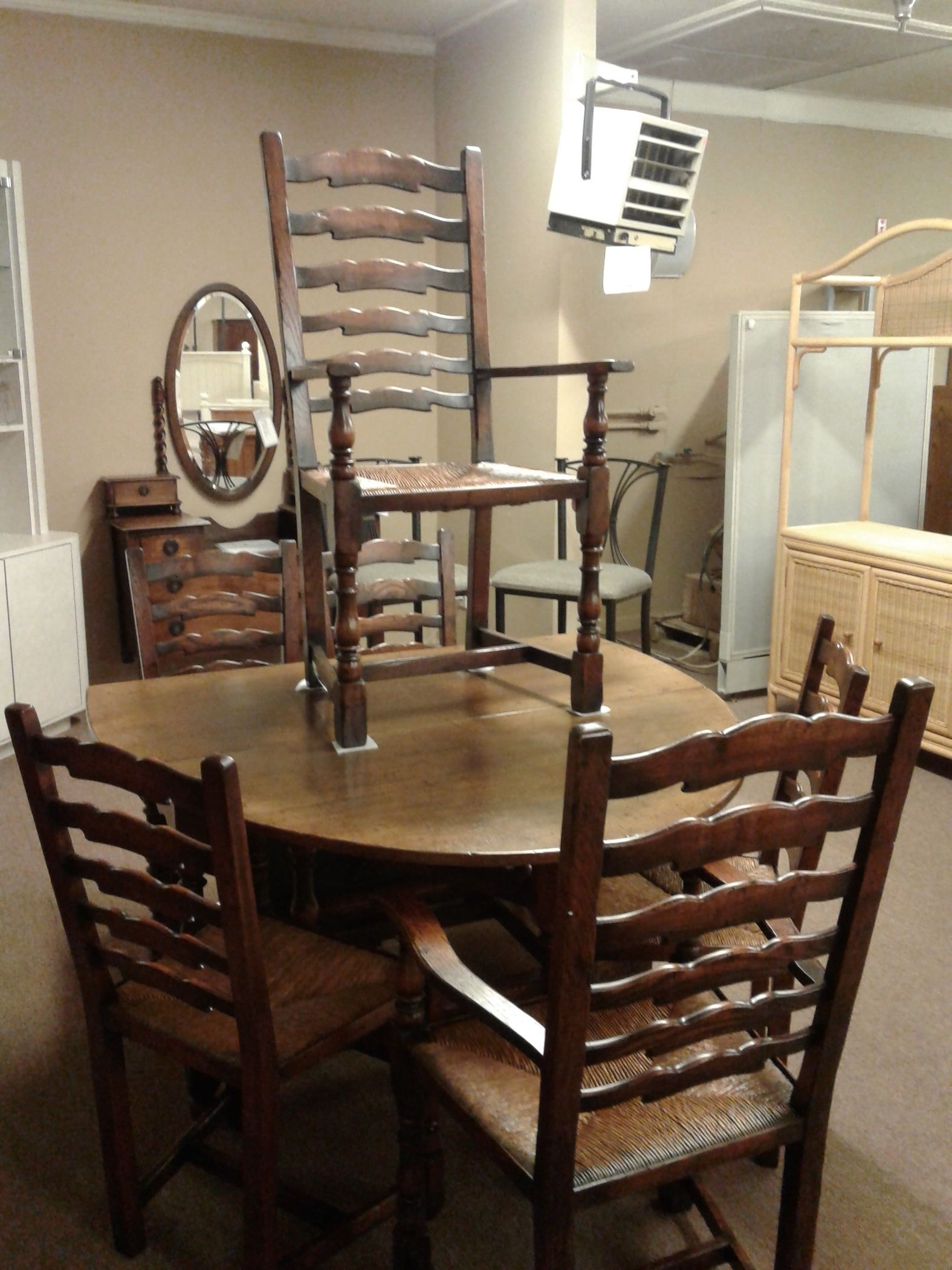 DINING TABLE 6 CHAIRS W HUTCH