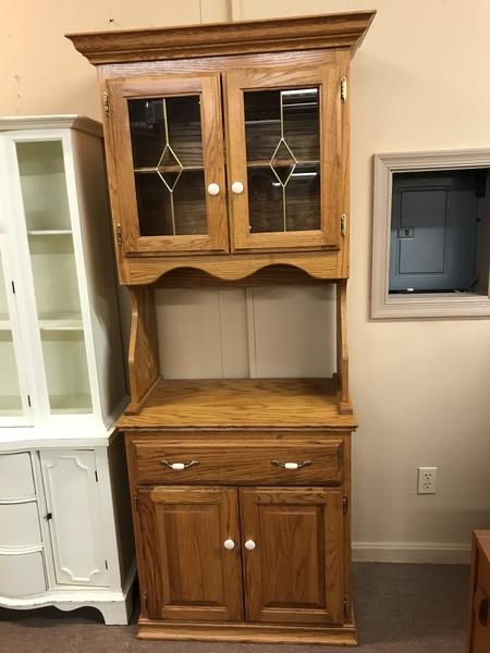 Cochrane Oak China Hutch Delmarva Furniture Consignment