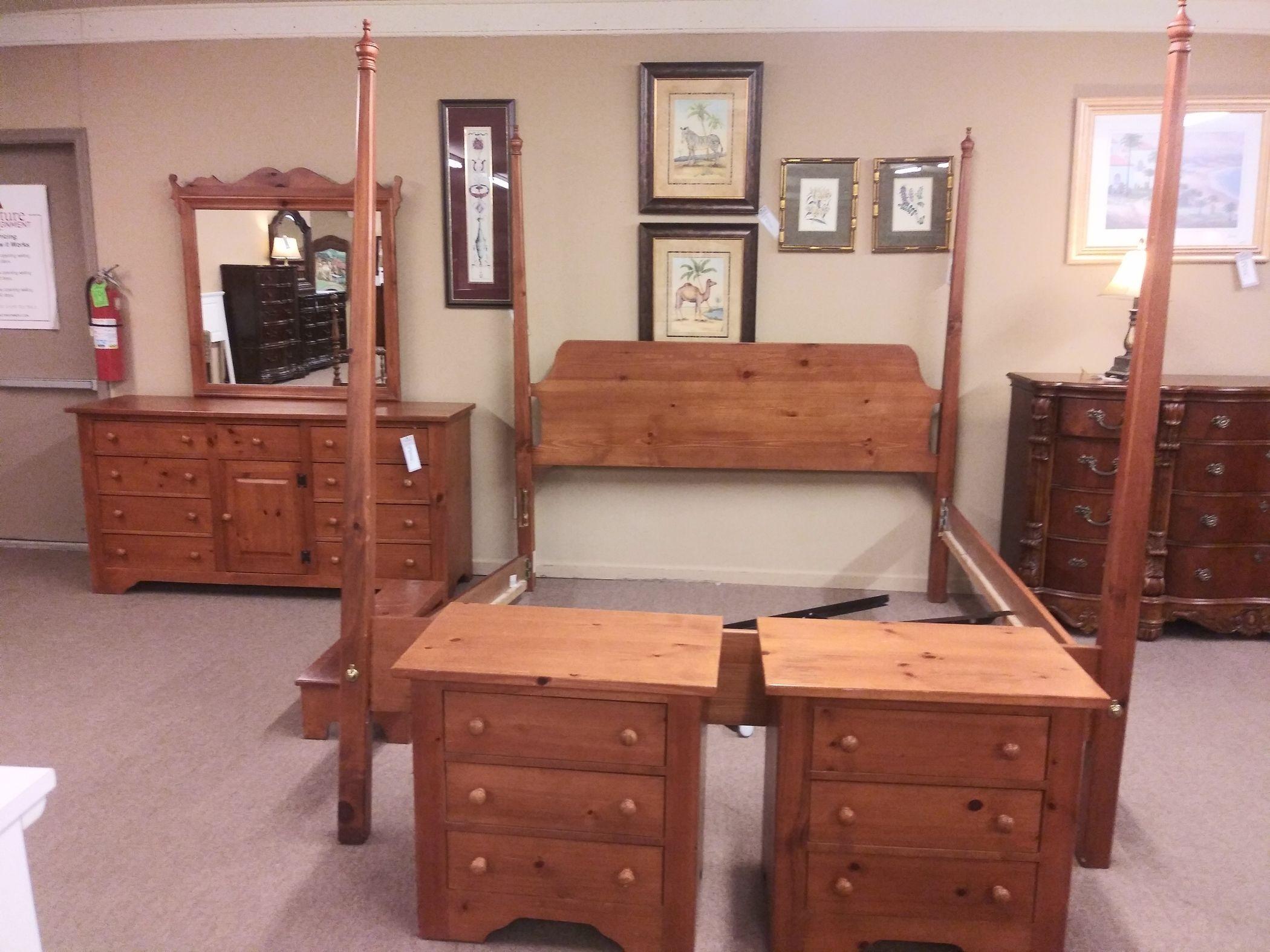 broyhill pine king bedroom set  delmarva furniture