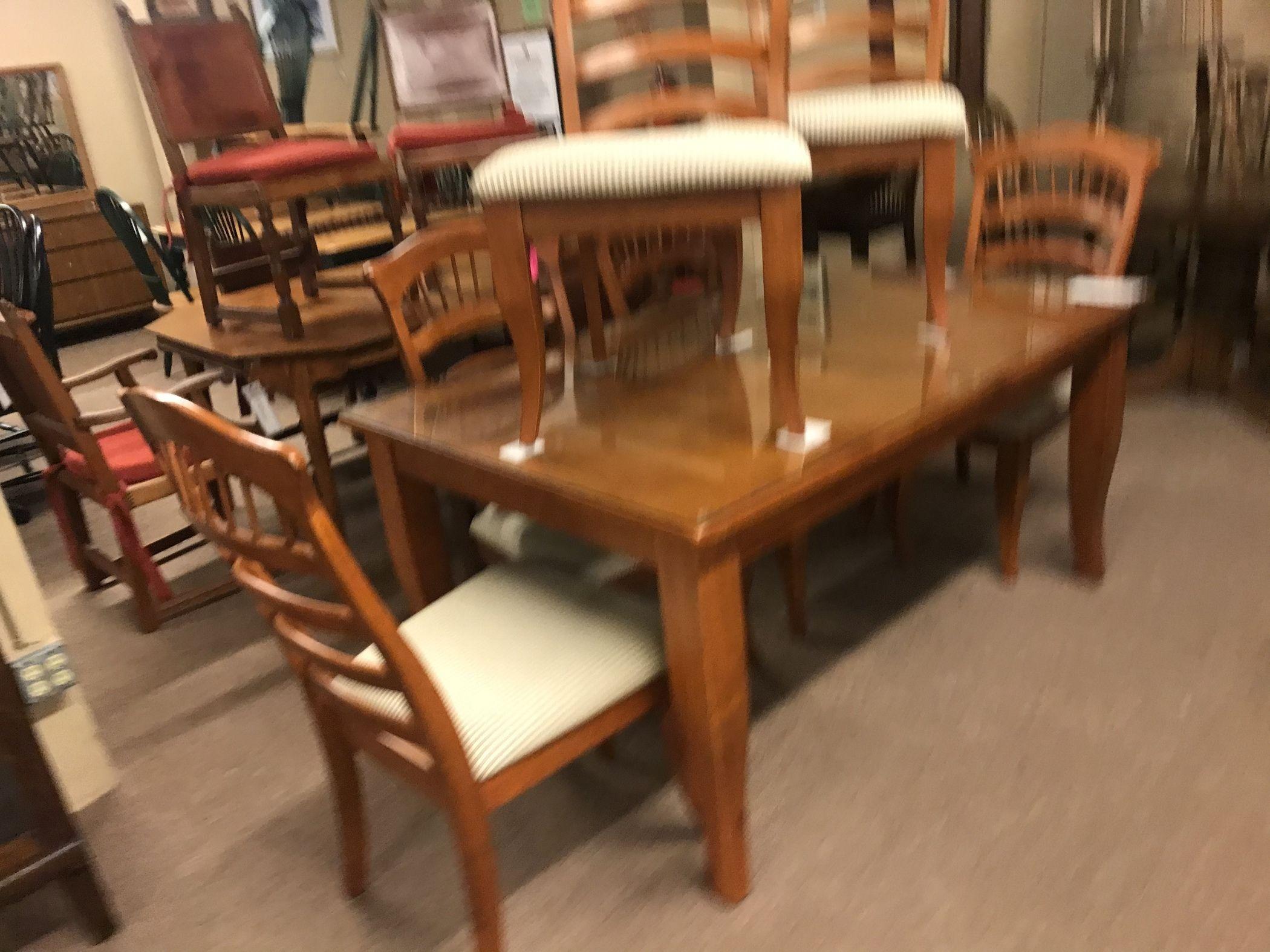 American Signature Dining Set Delmarva Furniture Consignment